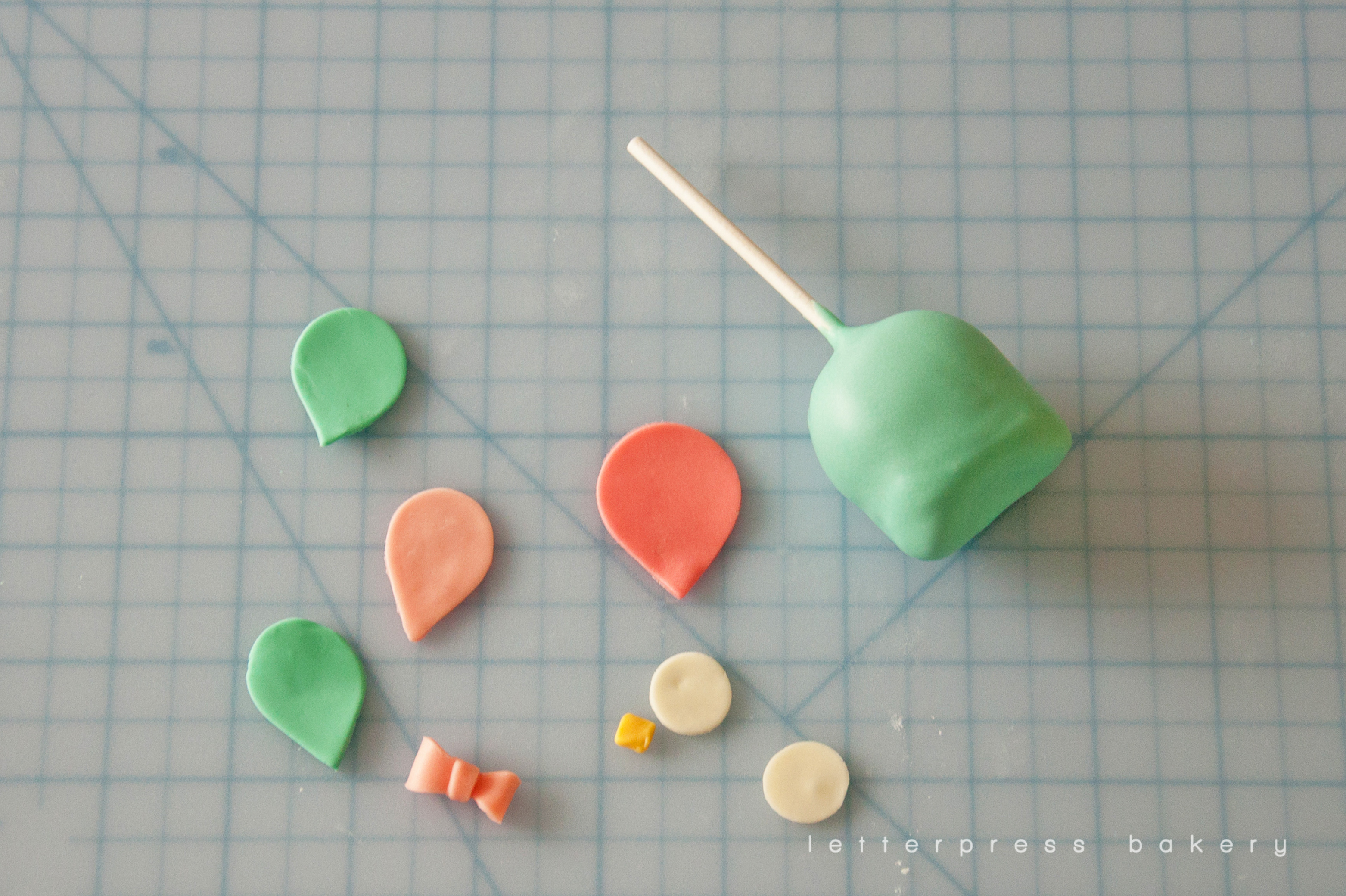 All the cutout pieces needed for the owl cake pops