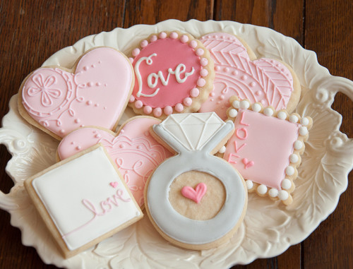 Decorate wedding shower cookies