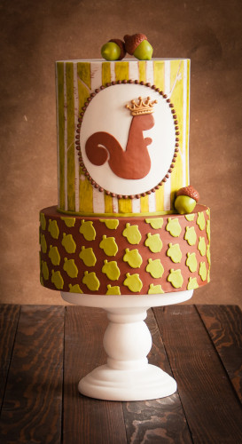 Autumn cake design with squirell