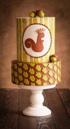 Autumn cake design with squirell