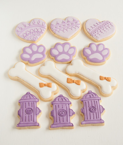 Decorated sugar cookie for wedding favours