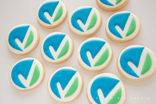 Decorated sugar cookies as Voleo logo