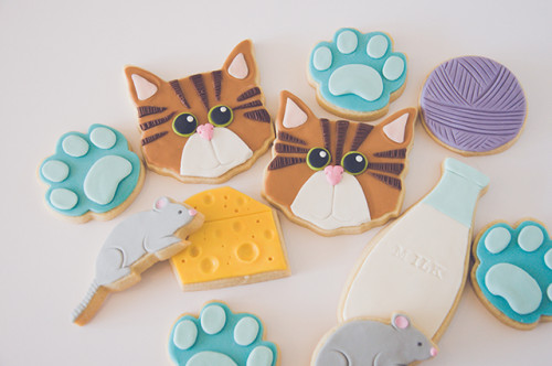 Cat decorated sugar cookie set